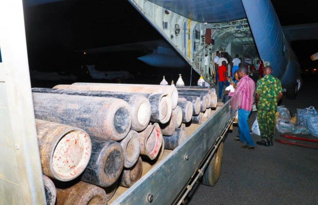 NAF Delivers 117 Cylinders of LOX to COVID-19 Centers in Abuja